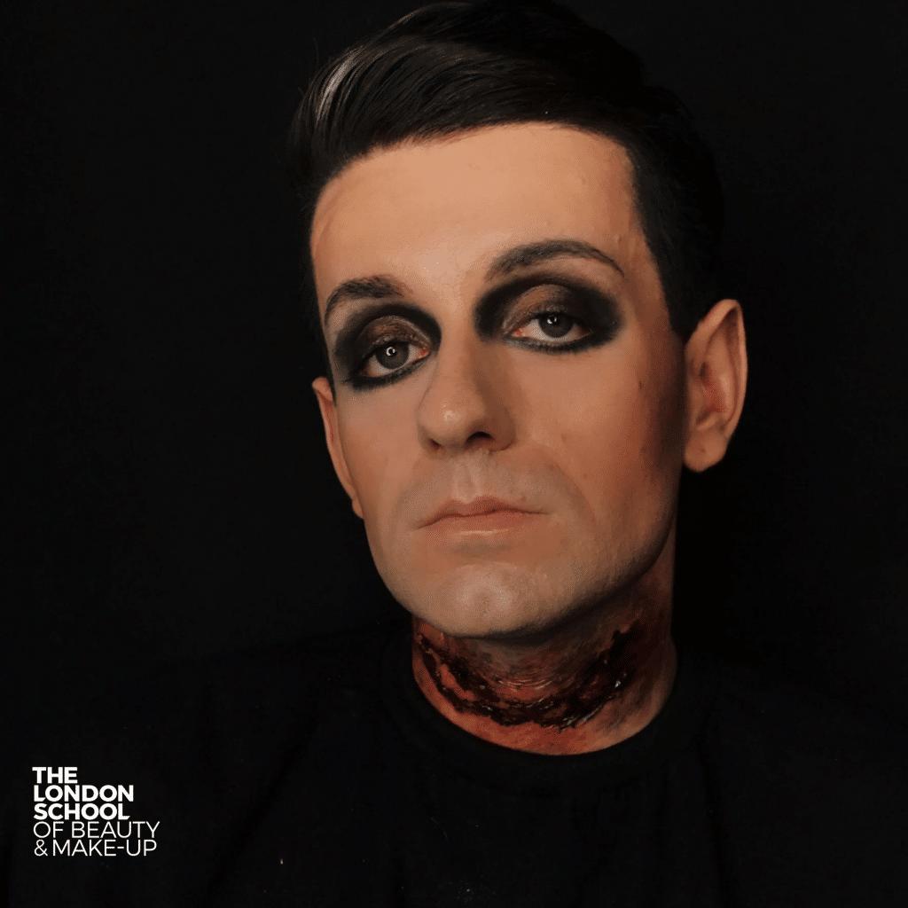 Choosing a foundation makeup course
